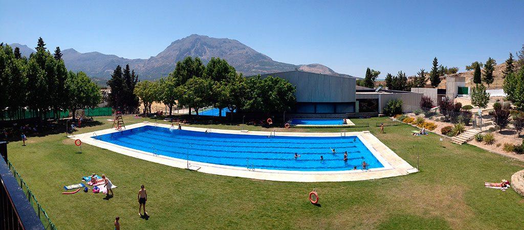 Instalaciones deportivas (piscina, pabellón, pista de tenis y pádel)